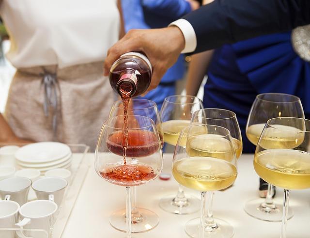 Restaurante Vigo: Las mejores opciones en vino para tu comida.